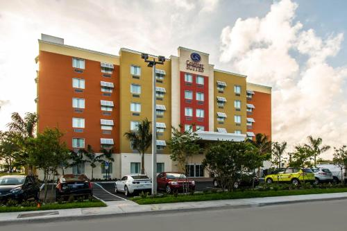 Comfort Suites Fort Lauderdale Airport South & Cruise Port - Dania Beach, FL 33004
