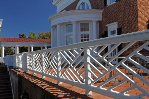 University of Virginia Inn at Darden Photo