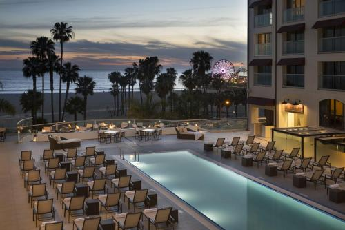 Loews Santa Monica Beach Hotel Photo