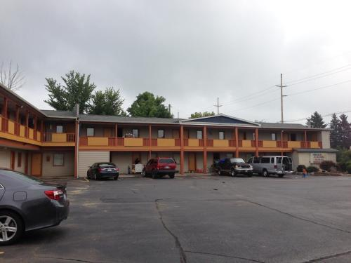 Cadet Motor Inn - Coldwater Photo
