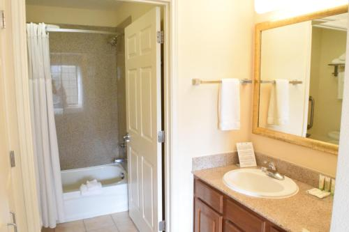 Staybridge Suites Houston West - Energy Corridor photo 21