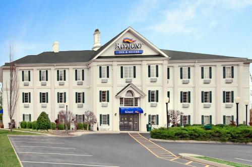 Baymont Inn & Suites Martinsville Photo