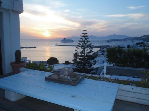 Rania Apartments Studios & Suites in mykonos - 0 star hotel