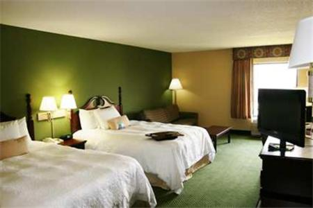 Hampton Inn Bloomington West Photo