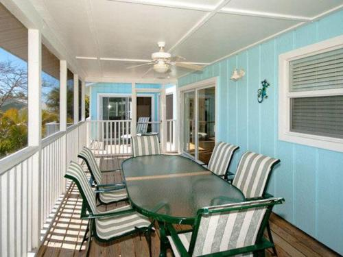 Holly Hideaway Photo