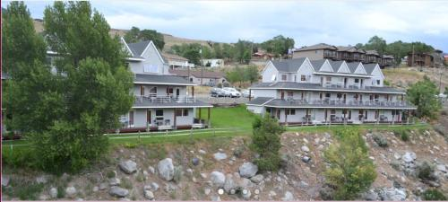 Absaroka Lodge Photo