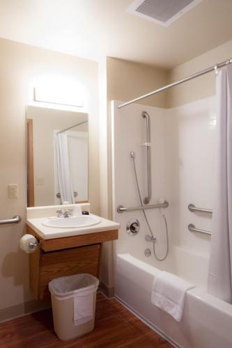 WoodSpring Suites Omaha Bellevue Photo