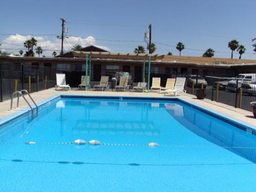 Desert Hills Motel Photo