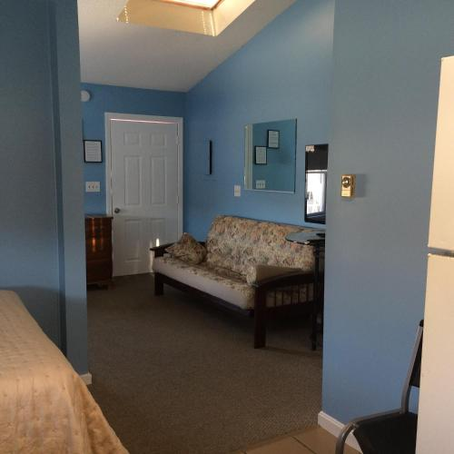 The New Oceanic Inn Photo