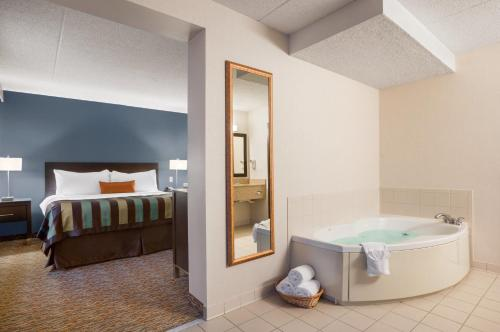 Wingate By Wyndham Sylvania Toledo 5480 South Main Street Oh Hotels Motels Mapquest