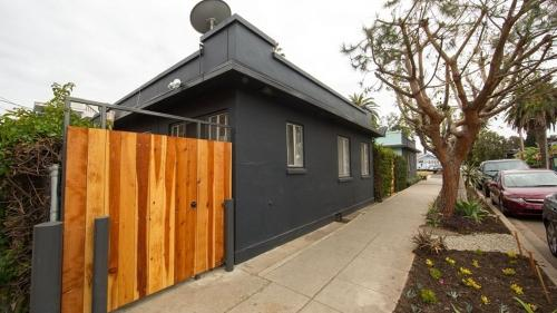 Beach Bungalow #Ven1BedE - Los Angeles, CA 90291