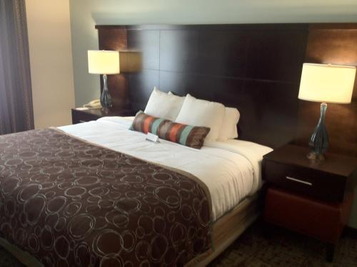 Staybridge Suites Columbus-Dublin Photo