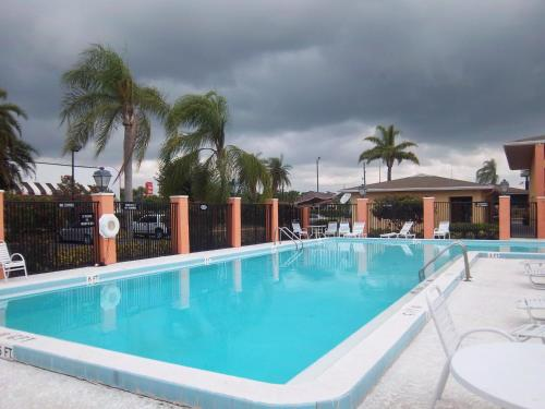 America's Best Value Inn Fort Pierce Photo