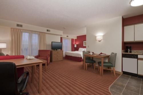 Residence Inn by Marriott Davenport Photo