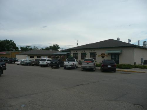 121 Steakhouse & Motel Photo