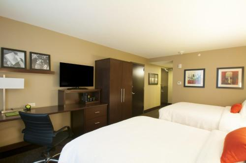 Courtyard by Marriott Times Square West Photo