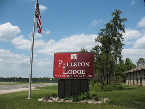 Pellston Lodge Magnuson Hotel Photo