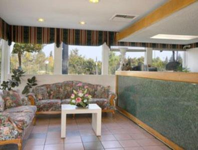 Days Inn Fresno Photo