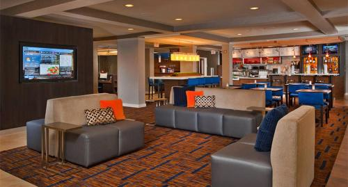 Courtyard by Marriott Youngstown Canfield Photo