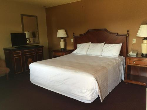 Budget Inn - Redding, CA 96001