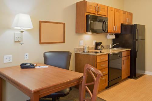 Candlewood Suites Tallahassee Photo
