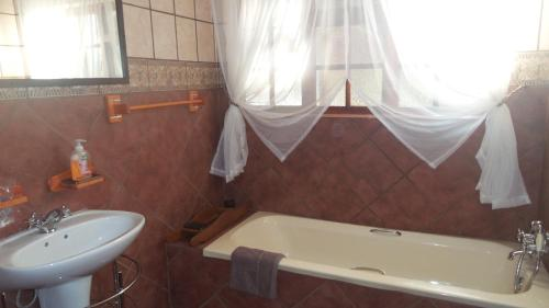 Beyond the Boma Boutique Guesthouse Photo
