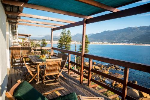 The Upper Deck at Sunny Cove Photo