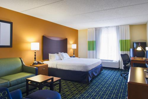 Fairfield Inn by Marriott Evansville East Photo