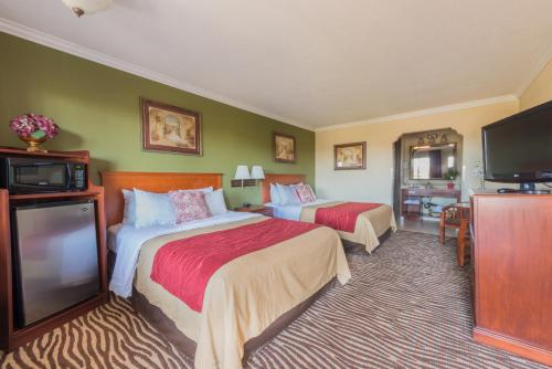 Comfort Inn At Irvine Spectrum - Laguna Hills, CA 92653