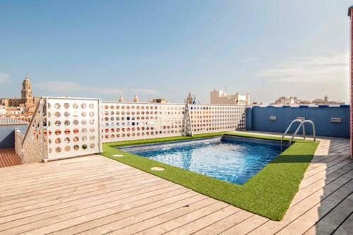 Malaga Sunshine Apartment - фото 0