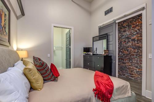 Commerce Street Apartment by Stay Alfred Photo
