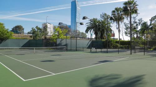 One Bedroom Vacation Apt #DTRS1G - Los Angeles, CA 90017