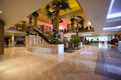 Veneto Hotel & Casino Photo