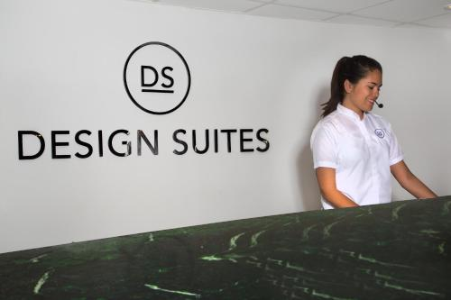 Deluxe by Design Suites Miami Photo