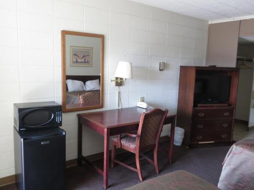 Budget Inn Express Bismarck Photo