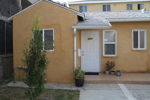 Beautiful New Home in Burbank 1bd