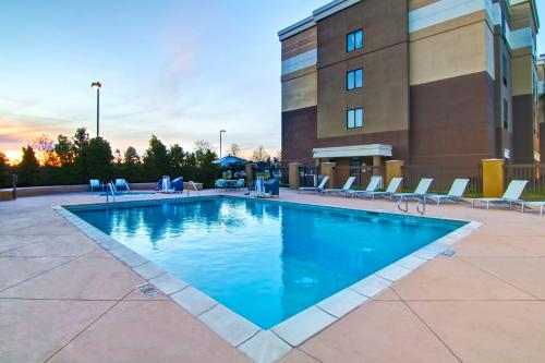 SpringHill Suites Fresno Photo
