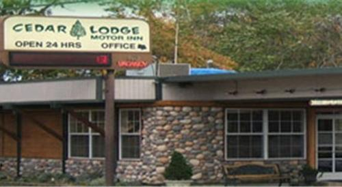 Cedar Lodge Motor Inn Photo