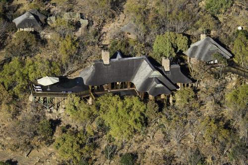 Tshwene Lodge Photo