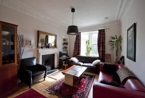 Holyrood Edinburgh Apartment
