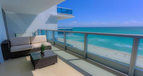 Suite Life Miami Apartments Monte Carlo Photo