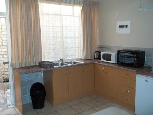 Uitenhage Apartments Photo