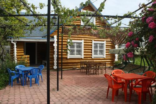 Blue Roof Holiday Home, Пицунда