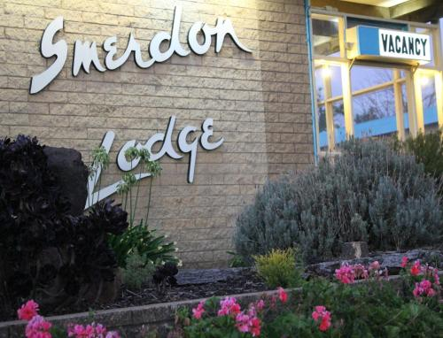 Smerdon Lodge Motel