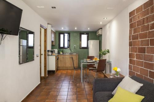 AinB Las Ramblas-Guardia Apartments photo 42