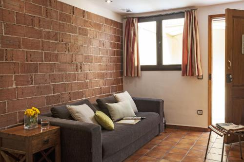 AinB Las Ramblas-Guardia Apartments photo 46