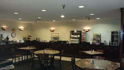 Ramada Bettendorf Photo