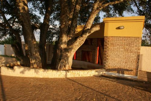 Gravel Lodge Jane Furse Photo