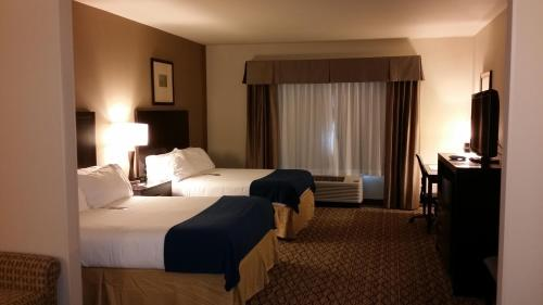 Holiday Inn Express & Suites Deming Mimbres Valley Photo