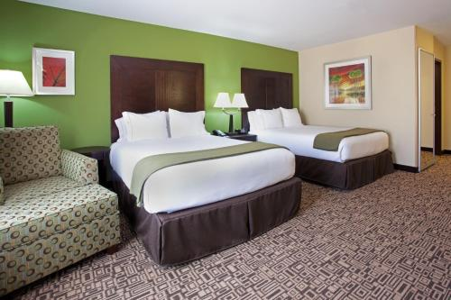 Holiday Inn Express Richfield Photo